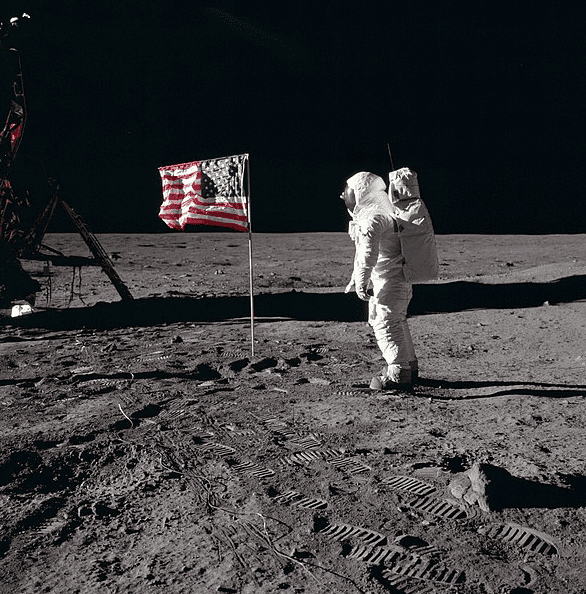 Photo: Buzz Aldrin salutes the U.S flag on the Moon, 20 July 1969