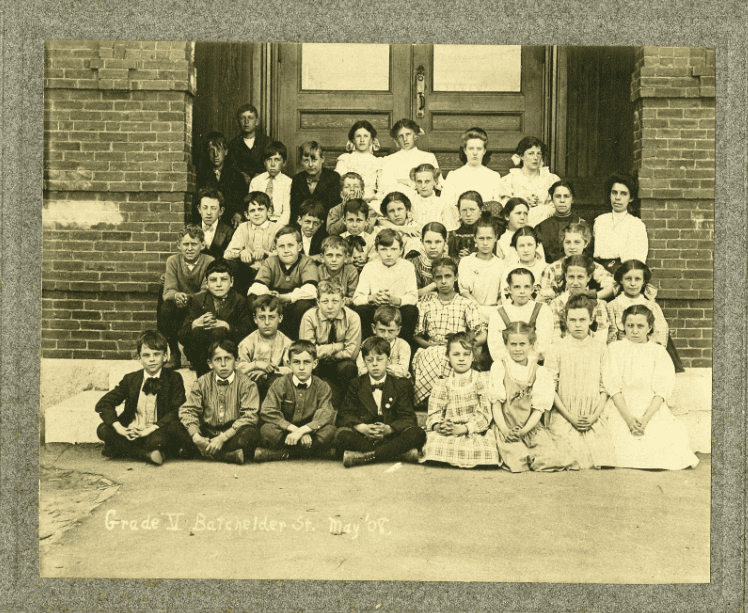 Photo: 5th Grade Class at the Batchelder Street School in Laconia, New Hampshire, May 1908