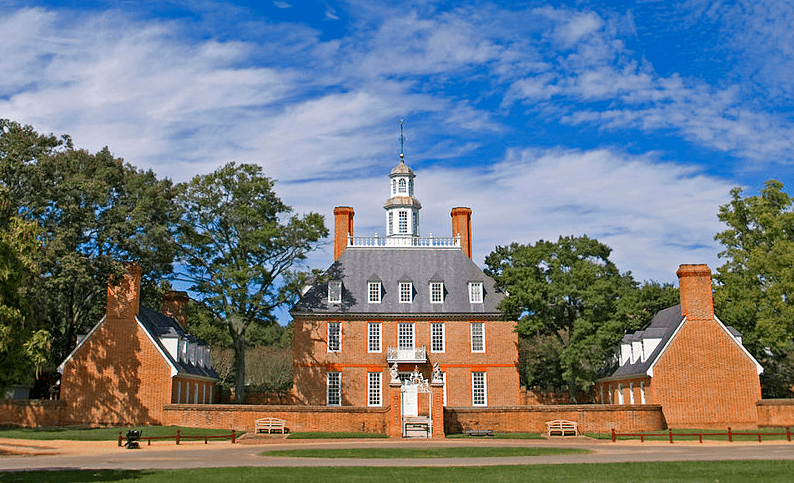 Photo: the Governor's Palace in Williamsburg, Virginia. Williamsburg was Virginia's capital from 1699 to 1780. Credit: Ron Cogswell; Wikimedia Commons.