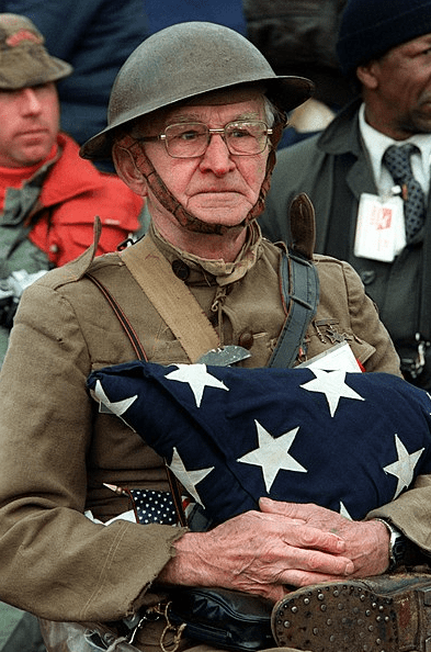 Photo: Joseph Ambrose, an 86-year-old World War I veteran, attends the dedication day parade for the Vietnam Veterans Memorial in 1982