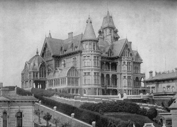 Photo: the Hopkins mansion on Nob Hill, San Francisco, California