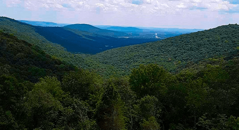 Photo: the mountains of Monte Sano State Park in Huntsville, Alabama