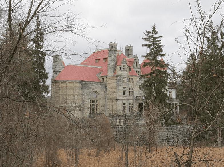 Photo: Searles Castle, Great Barrington, Massachusetts