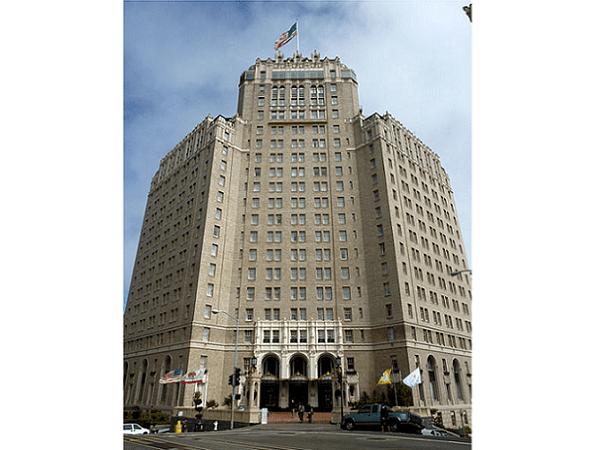 Photo: the InterContinental Mark Hopkins Hotel, San Francisco, California. Credit: Bobak Ha'Eri; Wikimedia Commons.