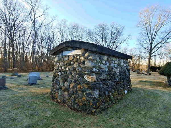 Photo: final resting place of Reuben John Smith in Mount Prospect Street Cemetery, Amesbury, Massachusetts. Credit: Ron Guilmette.