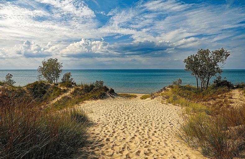 Photo: Lake Michigan viewed from Indiana Dunes State Park, Indiana