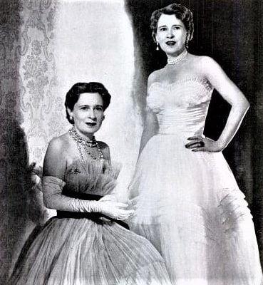 Photo: twin daughters of Laura and Harry Morgan: Gloria Morgan Vanderbilt (left) with her identical twin, Thelma Morgan, Viscountess Furness, in 1955