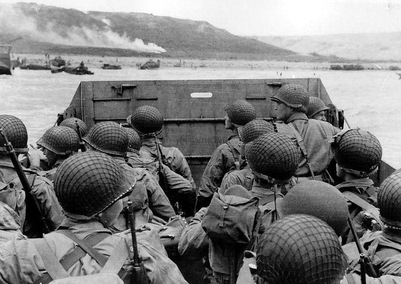 Photo: U.S. assault troops in an LCVP landing craft approach Omaha Beach, 6 June 1944