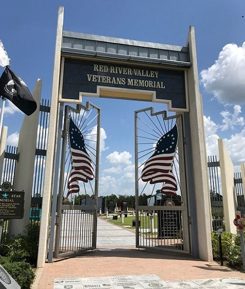 Photo: Red River Valley Veterans Memorial, Paris, Texas