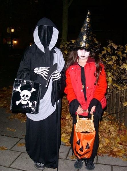 Photo: contemporary trick-or-treaters