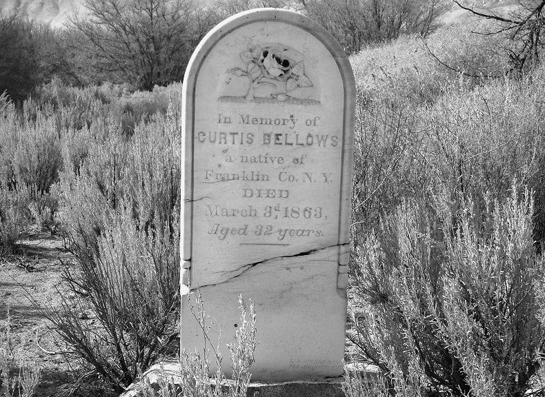 Photo: tombstone for Curtis Bellows