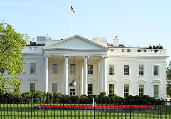 Photo: view of the White House from the north, with north fountain. Credit: Ingfbruno; Wikimedia Commons.
