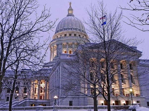 Photo: the Wisconsin State Capitol, Madison, Wisconsin. Credit: RAHurd; Wikimedia Commons.