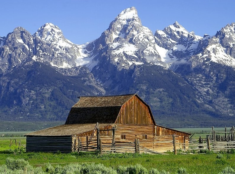Photo: the John Moulton Barn at the base of the Grand Tetons, Wyoming