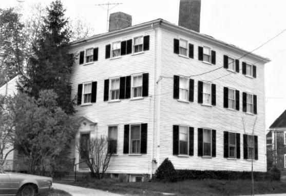 Photo: house on Merrimack Street, Newburyport, Massachusetts, built in 1800 by Benjamin Choate, Leonard Choate's grandfather