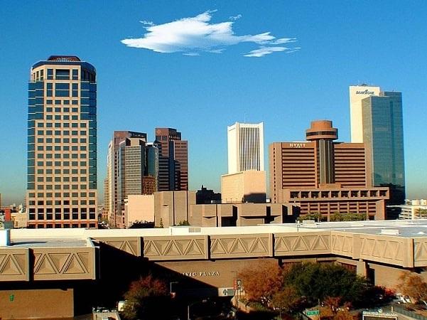 Photo: Phoenix, Arizona. Credit: Bravo1; Wikimedia Commons.