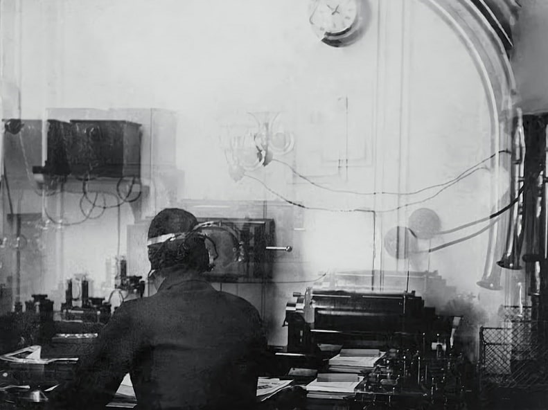 Photo: the only known picture of Titanic's wireless radio room, taken by the catholic priest Francis Browne, 11 April 1912