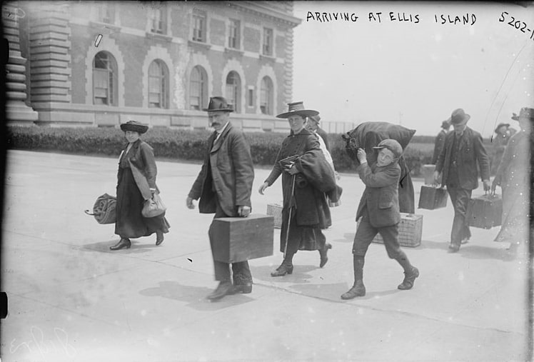 Photo: European immigrants arriving at Ellis Island, 1915