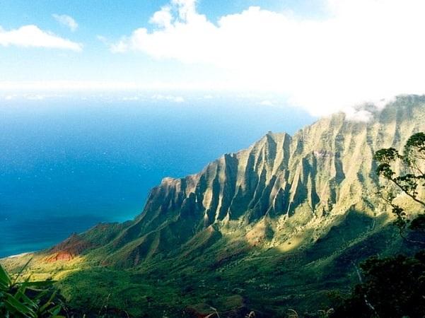 Photo: Nā Pali Coast State Park, Kauai, Hawaii. Credit: Jeff Kubina; Wikimedia Commons.