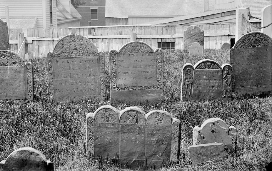 Photo: the Lindall family plot (separate from the Lindall tomb) at Burying Point Cemetery, 51 Charter Street, Salem, Massachusetts