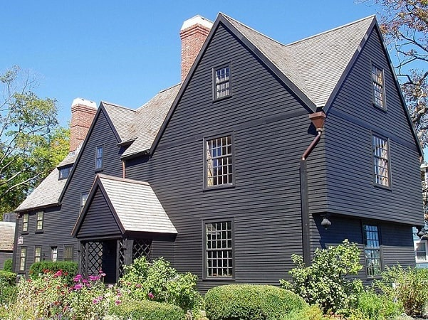 Photo: House of the Seven Gables in Salem, Massachusetts.Credit: Daderot; Wikimedia Commons.