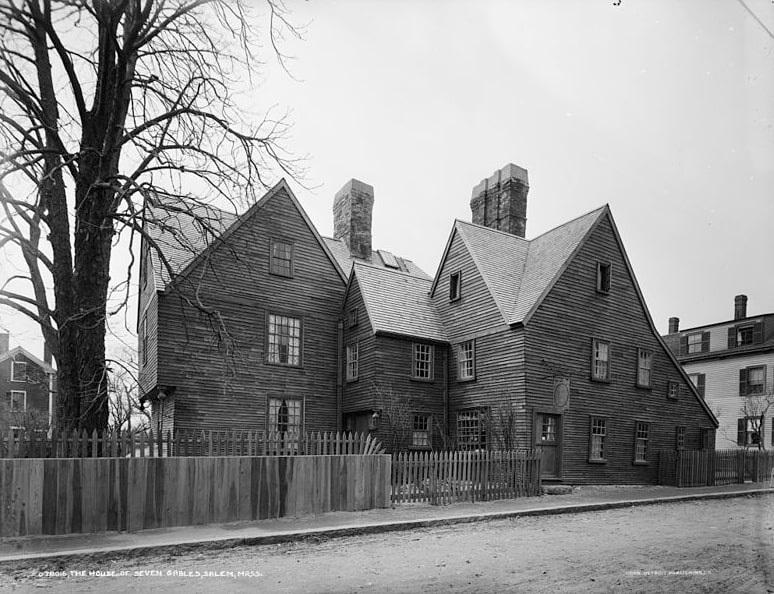 Photo: House of the Seven Gables in Salem, Massachusetts, after restoration of 1908-1910, photo taken c. 1915