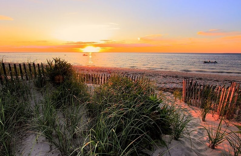 Photo: sunset at Brewster, Massachusetts, on Cape Cod Bay