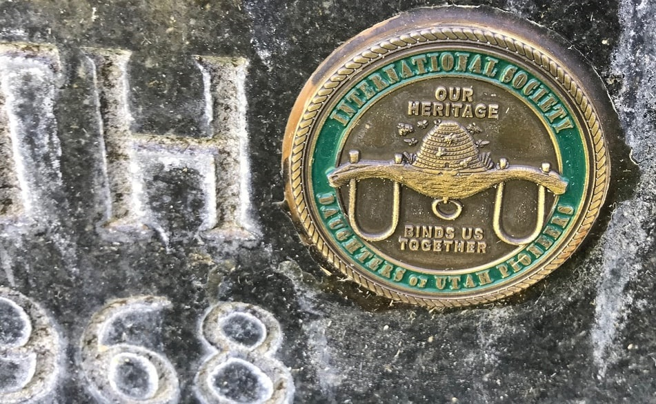 Photo: DUP grave marker