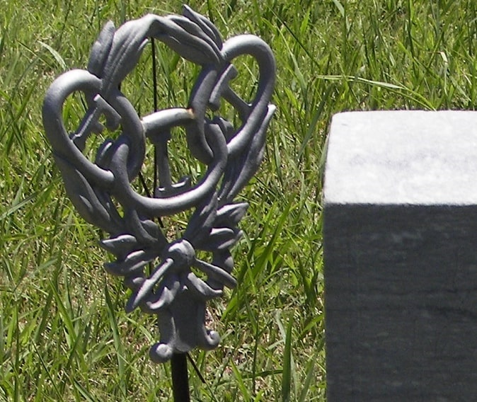 Photo: Independent Order of Odd Fellows grave marker