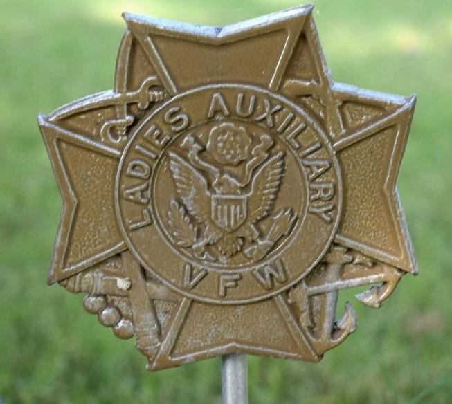 Photo: Ladies Auxiliary VFW (Veterans of Foreign Wars) grave marker. Credit: Gary W. Clark, PhotoTree.com.