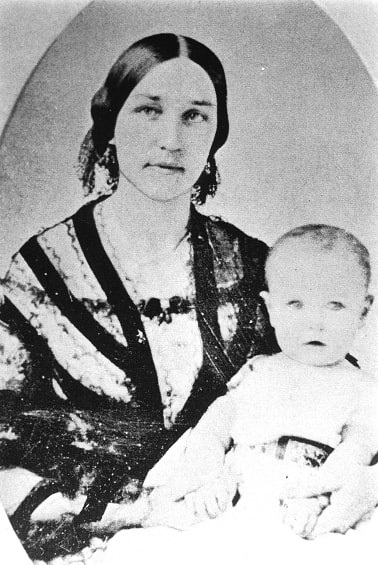Photo: Louisa Maria Torrey Taft and her son William, the future president. Courtesy of the Ohio Memory Collection and William Howard Taft National Historic Site.