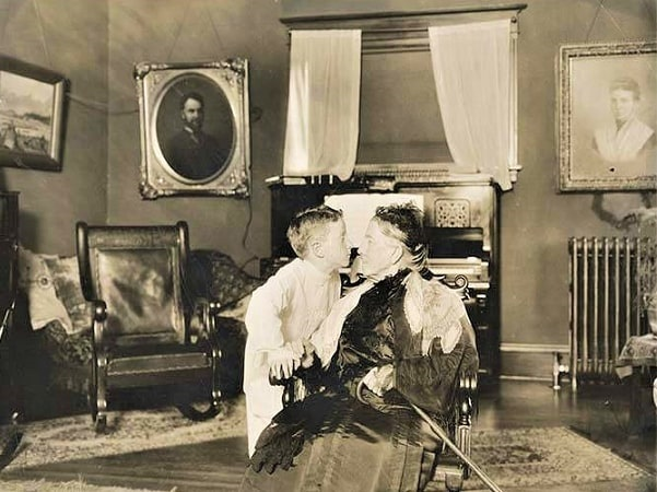 Photo: Mayflower generations: Louisa Boren Denny (1827-1916) with her great-great-grandnephew, Rolland Denny Lamping (1907-1980), son of George Butler Lamping and Edith Dillon Denny and the great-grandson of Arthur and Mary Ann Denny in Seattle, circa 1912. Credit: Wikimedia Commons.