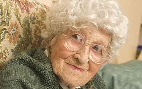 Elizabeth Gladys Dean 1912 2009 Last Titanic Survivor Dies